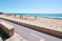 Volleyballspel op een strand Stock Foto's