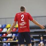 Volleyballspieler verstehen nicht, was geschieht stockfotografie