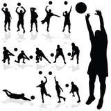 Volleyballspielerschwarzschattenbild in den verschiedenen Haltungen Stockfoto