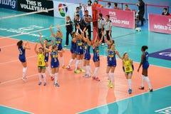 Volleyboll WGP: Brasilien VS dominikan Arkivfoto