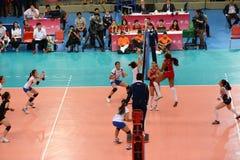 Volleyboll WGP: Dominikan VS Thailand Royaltyfria Foton