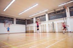 Volleybollkvinnan hoppar Royaltyfria Foton