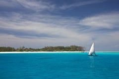 Vollkommener tropischer Strand Lizenzfreie Stockfotos