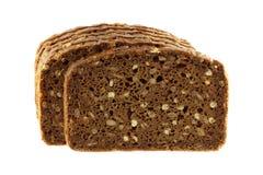 Vollkornrye-Brot getrennt auf Weiß Lizenzfreie Stockbilder