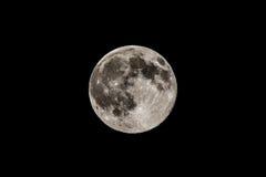 Vollmond im schwarzen Himmel, ausführliche Ansicht Lizenzfreie Stockfotografie