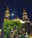 Vollmond und Guadalajara-Kathedrale Lizenzfreies Stockfoto