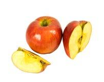 Vollständige und geschnittene Äpfel Lizenzfreies Stockfoto
