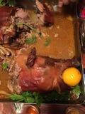 Vollständiges Braten-Schwein stockbild