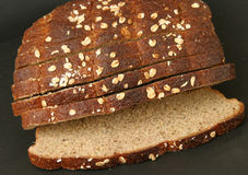 Vollständiges Korn-Brot Stockfotografie