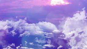 Volo del fuco sopra le nuvole durante il tramonto Volo sopra le nubi stock footage