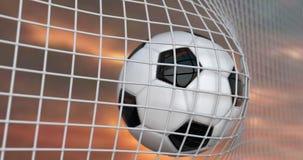 Volo del pallone da calcio nella rete al rallentatore Animazione di calcio 3d del momento di scopo sul bello cielo stock footage