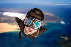 Volo del ragazzo, daydreaming lui pilota del ´ S.A. Fotografia Stock Libera da Diritti
