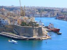 Volo del Seaplane sopra il porto di Valletta Fotografie Stock