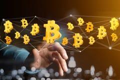 Volo del segno di Bitcoin intorno ad una connessione di rete - 3d rendono Fotografia Stock Libera da Diritti