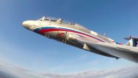 Volo della dimostrazione di jet L-29 aereo Delfn archivi video