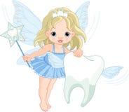 Volo sveglio del Fairy di dente con il dente Immagine Stock Libera da Diritti