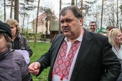 Volodymyr Bondarenko. 20.04.2014 - vergadering met mensen in Etnogr royalty-vrije stock fotografie
