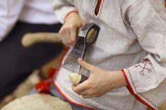 """Vologda, †de RÚSSIA """"o 4 de julho: artesanatos no festival da rua o 4 de julho de 2015 Fotografia de Stock Royalty Free"""