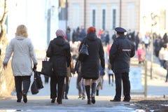 """Vologda, †de RÚSSIA """"o 10 de março: Agentes da polícia do russo no policiamento o 10 de março de 2014 Imagens de Stock"""