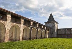 Vologda för Svitochnaya tornKirillo-Belozersky kloster region, Ryssland royaltyfria foton