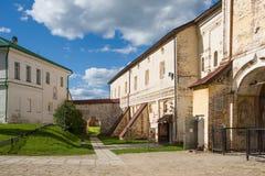 VOLOGDA RYSSLAND - 13 AUGUSTI 2016: Kirillo-Belozersky kloster nära staden Kirillov, Vologda region, Ryssland Arkivbild