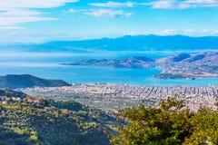 Volos stadssikt från den Pelion monteringen, Grekland Fotografering för Bildbyråer