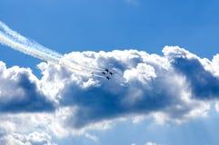 Vols acrobatiques Image stock