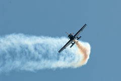 Vols acrobatiques de lames Image libre de droits