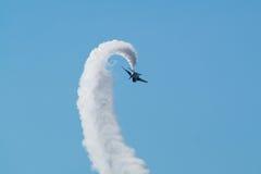 Vols de démonstration d'impulsion bleue Photographie stock libre de droits