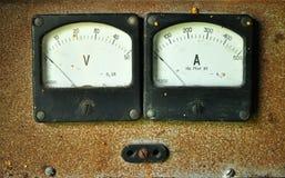 Voltímetro y amperímetro foto de archivo