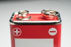 9-Volt-Batterie Nahaufnahme bei Polen Lizenzfreie Stockbilder