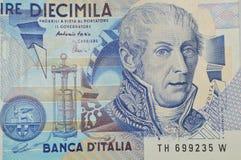 Volta italiensk fysiker på 10000 lire sedel royaltyfria bilder