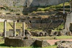 Volterra-Amphitheatre Royalty-vrije Stock Afbeeldingen