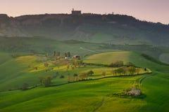 Volterra, città medievale della Toscana, Italia - di Volterra, gli impianti di Mauro Staccioli di scultor installati nel 2009 per Fotografia Stock