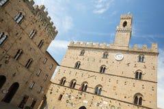 Volterra op Piazza dei Priori Royalty-vrije Stock Fotografie