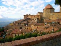 Volterra - otra visión desde el dei de Viale Foto de archivo