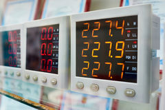 Voltmètres industriels Photo stock