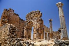 Volubilis är en romersk stad i Marocko placerade nära Meknes Royaltyfri Bild