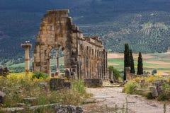 Volubilis est un Amazigh ruiné, puis ville romaine au Maroc près de Mekne Photos libres de droits
