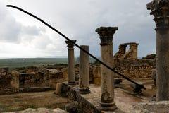 Volubilis vicino a Meknes nel Marocco Volubilis è un Amazigh parzialmente scavato, quindi la città romana nel Marocco si è situat fotografie stock