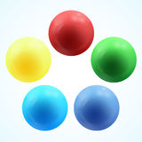 Volume 3d lustroso colorido de esferas isoladas no branco Imagem de Stock Royalty Free