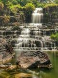 Volume de água da montanha para formar escadas fotografia de stock