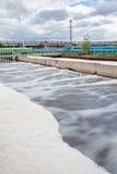 Volumes d'aération pour l'eau à l'usine de traitement des eaux résiduaires Image stock