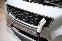 Volvo C30 eléctrico tapada en la demostración de motor de París Imágenes de archivo libres de regalías