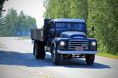 Volvo clássico N84 na estrada Imagens de Stock