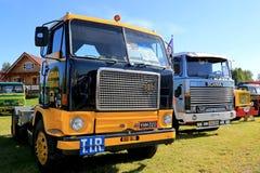 Volvo F88 och Skåne 141 klassiska lastbilar Royaltyfri Fotografi