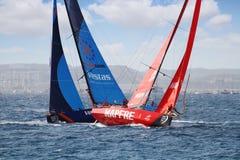 Volvo Oceaan 65 Team Mapfre in ras tegen Team Vestas Royalty-vrije Stock Afbeeldingen
