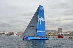 Volvo-Ozean-Rennen-Vestas-Mannschaft winken zum Abschied Stockbild