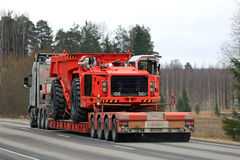 Volvo Semi Transports Mining Equipment Royalty Free Stock Photos