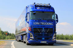Volvo toont Vrachtwagen van Loni Gmbh in Lempaala, Finland Royalty-vrije Stock Afbeelding